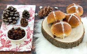 Hot Cross Buns con uvette
